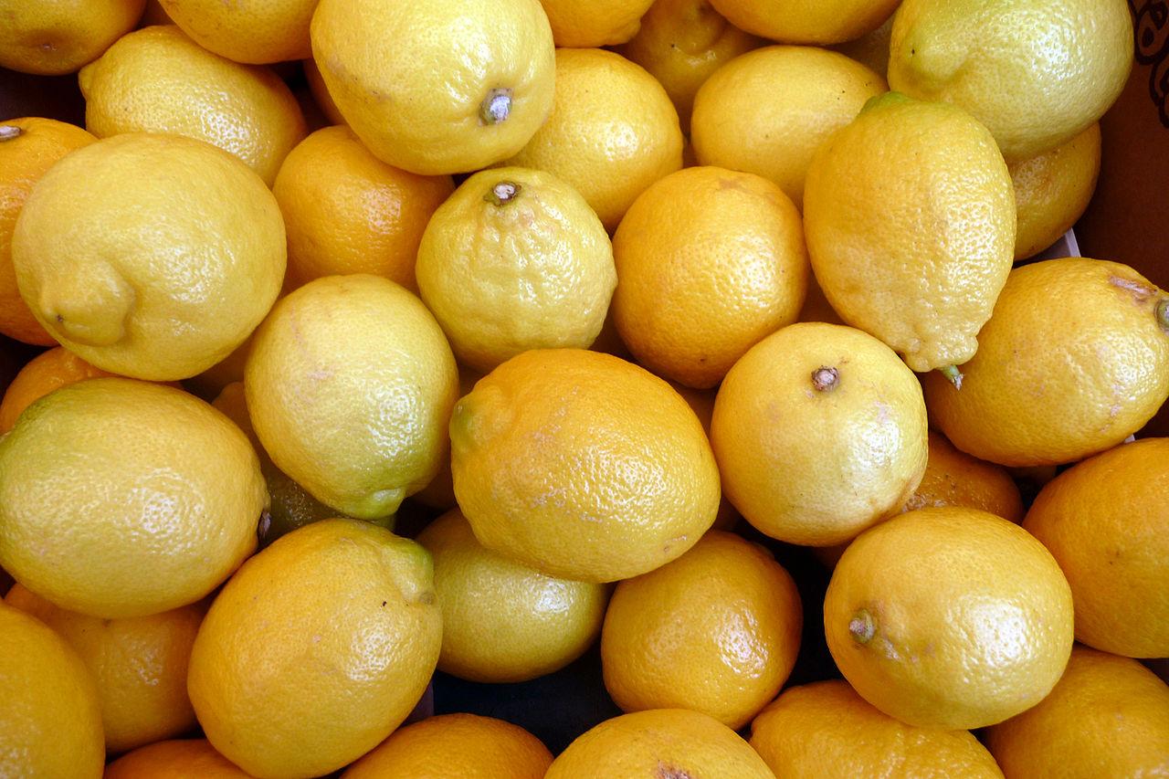レモン摂取すると骨密度上昇、血圧下がる効果も