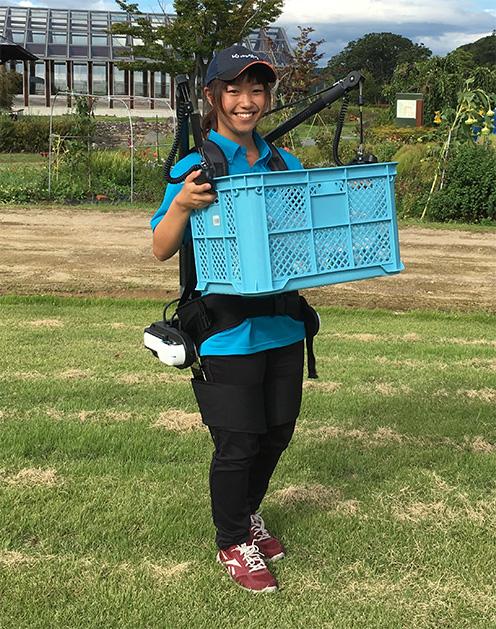 農業ワールド2016」のロボットを紹介